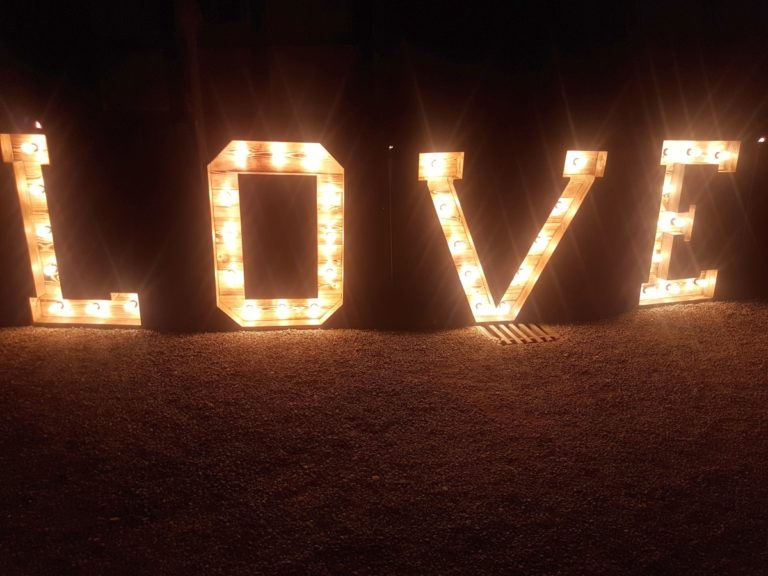 XXL Buchstaben LOVE